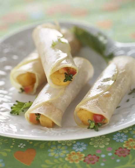 Photographie culinaire : rouleau de chou rave, pomme, rutabaga, épice