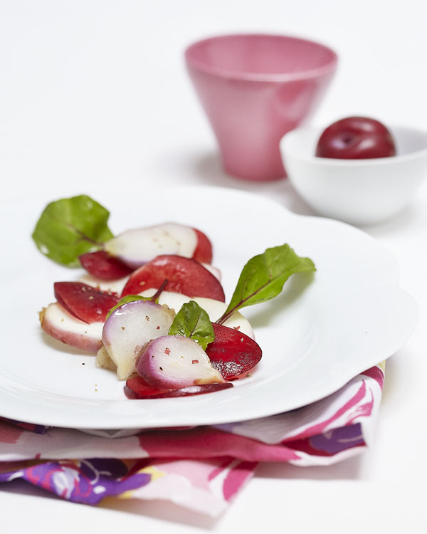 Photographie culinaire : salade de navets, pamplemousse, prune