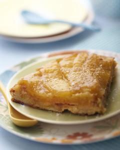 Photographie culinaire : tarte tatin ananas banane rhum coco