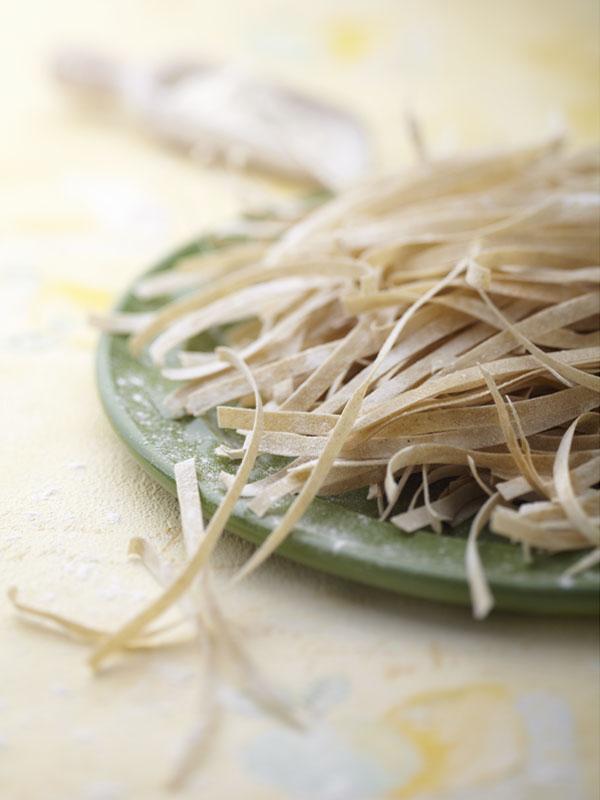 Photographie culinaire : atelier cuisine de pâtes fraîches bio