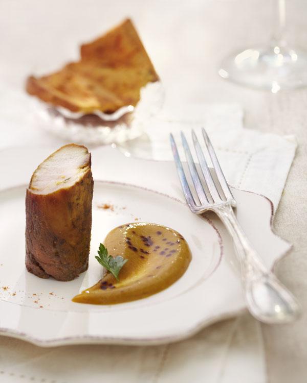 Photographie culinaire : Poulet au café, crème de lentilles corail, potiron butternut, épices