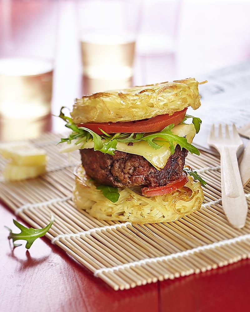 Photographie culinaire : ramen burger ou pasta burger.